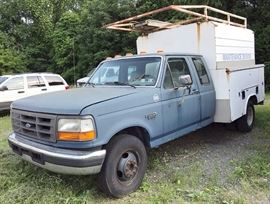 1996 Ford F350 Diesel Pickup Truck XL Power-Stroke Diesel Engine; Gray Vinyl Interior; Rear Bench Seat; AM/FM Stereo; Air Conditioning, and more. VIN: 1FDJX35F8TEA52106.