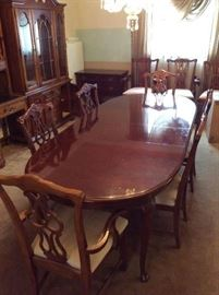"100"" Long Dining Room Table w/ 6 Chairs (Table is $275 & 6 Chairs $150) Buy the entire set for $375"