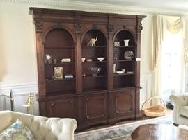 THIS BOOKCASE COMES IN PIECES!
