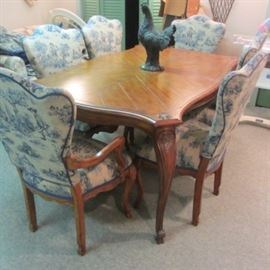 COUNTRY FRENCH DINING SET W/6 TOILE CHAIRS AND 2 LEAVES