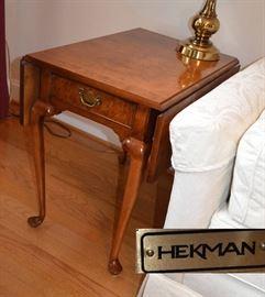 Hekman burl walnut drop leaf side table