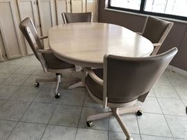 Kitchen set with four chairs