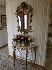 Foyer Entry Table with Mirror and flower arrangement    http://www.ctonlineauctions.com/detail.asp?id=701619