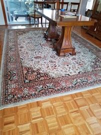 Floral Area Rug      http://www.ctonlineauctions.com/detail.asp?id=701623