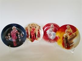 Delphi Marilyn Monroe Collector's Plates    http://www.ctonlineauctions.com/detail.asp?id=701627