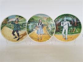 Wizard of Oz Collector's Plates, Knowles  http://www.ctonlineauctions.com/detail.asp?id=701629