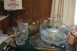 Crystal pitchers, punch bowl/large underplate