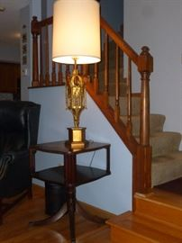 Vintage table & lamp