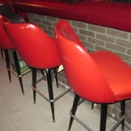 VINTAGE RED BAR/COUNTER SEATING (6)