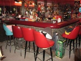 WOW TONS OF BAR NEEDS GET READY TO DECORATE YOUR BAR/BASEMENT ANY ROOM VINTAGE BAR MEMORABILIA LIGHTED BEER/LIQUOR SIGNS/MIRRORS NATIONAL CASH REGISTER
