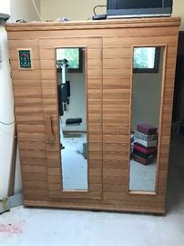 Health Mate sauna! Easily assembly! Comes apart in 8 pieces!!