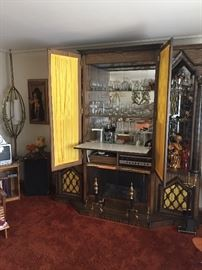 Fireplace , Stereo, and Bar all working a really beautiful vintage piece.