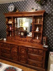 Stanley dresser with mirror hutch