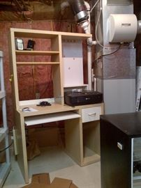 Small Computer Shelf Desk