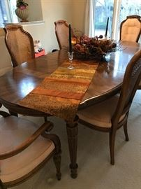 Drexel Heritage Dining Room Table,  leaves, 6 chairs.
