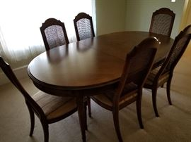 Drexel Esperanto Dining Room Table w/2 Arm Chairs and 6 Side Chairs
