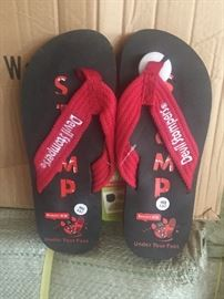4,900 pairs of flip flops in all sizes
