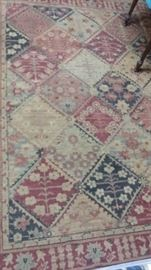 "Pretty Haverty's Oriental rug size 92"" X 64"" - great for any room in the house."