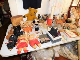 100's of stuffed animals, many from pre 1950's