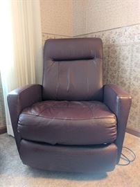 Electric Relaxer Chair - like new