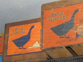 Sale held by Blue Goose Vintage-Markets-Estates.