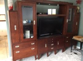 DISPLAY CASES AND SIDEBOARD WILL SEPARATE