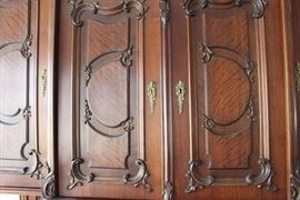 Details on Large Hutch