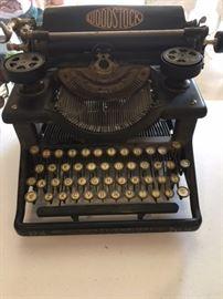 Rare Woodstock Typewriter No. 4 with circle logo