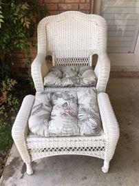4-piece Wicker outdoor patio furniture