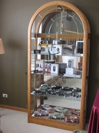 lighted display cabinet - side loads