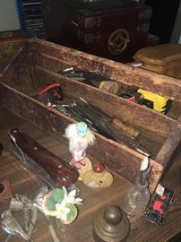 Love- love this vintage wood tool box!