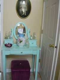 Is this the cutest vanity ever?