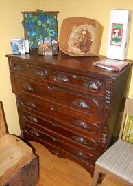 Nice Victorian Carved Leaf Handle Dresser