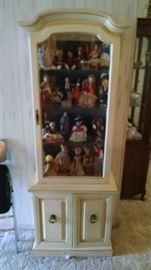 Curio cabinet  75