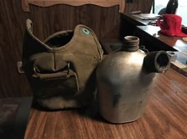 Really good shape Army canteen w/canvas case