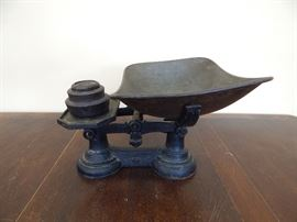 Antique Cast Iron Kitchen Scale