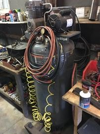 WORKING 60 GALLON AIR COMPRESSOR