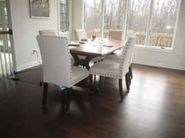 Wonderful dining room table and chairs almost new!!