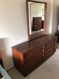 Rare Brown-Saltman mid-century bedroom  furniture set,  in very good condition