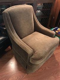 Sherill Furniture Velvet swivel chair.