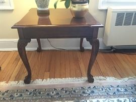 Mahogany pristine end table $195