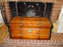 Antique Jenny Lind 4 Band Stagecoach Chest