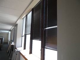 1st Floor East Side - Window Blinds (Lot of 23)