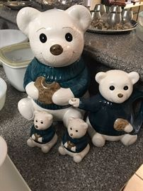Darling cookie jar set.