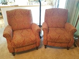 Pair lovely decor recliners