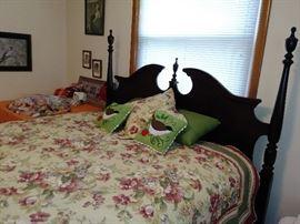 queen size post bed