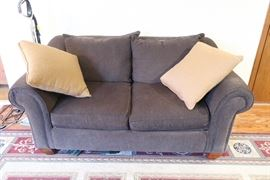 Love seat in good condition