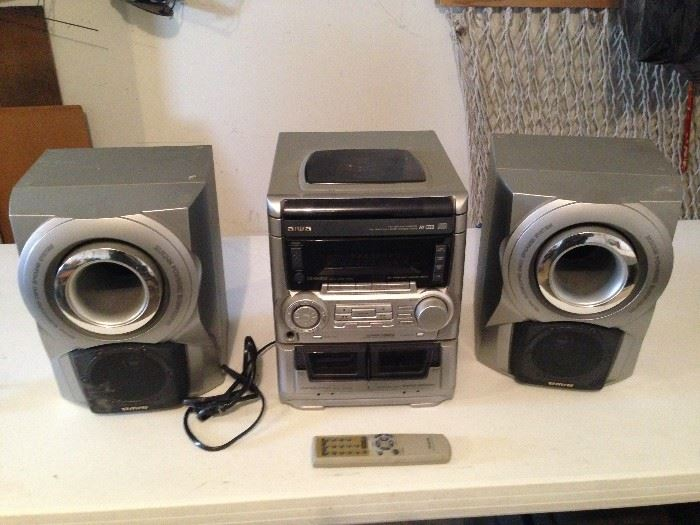 "Aiwa Compact Shelf Stereo System CD Dual Cassette Tape Speakers , has a 3 CD changer, dual cassette decks, AM/FM radio and supports... ""1990ish"""