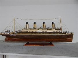 Titanic Wood Model Ship 39 inches Lenght