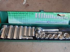 Socket Set with metal box